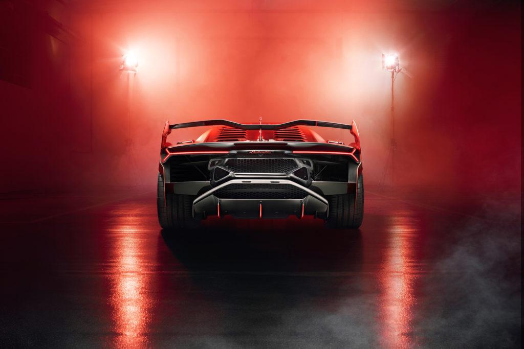 Lamborghini Squadra Corse develops one-off V12 SC18