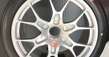 Pirelli develops Ferrari 488 Evo tire