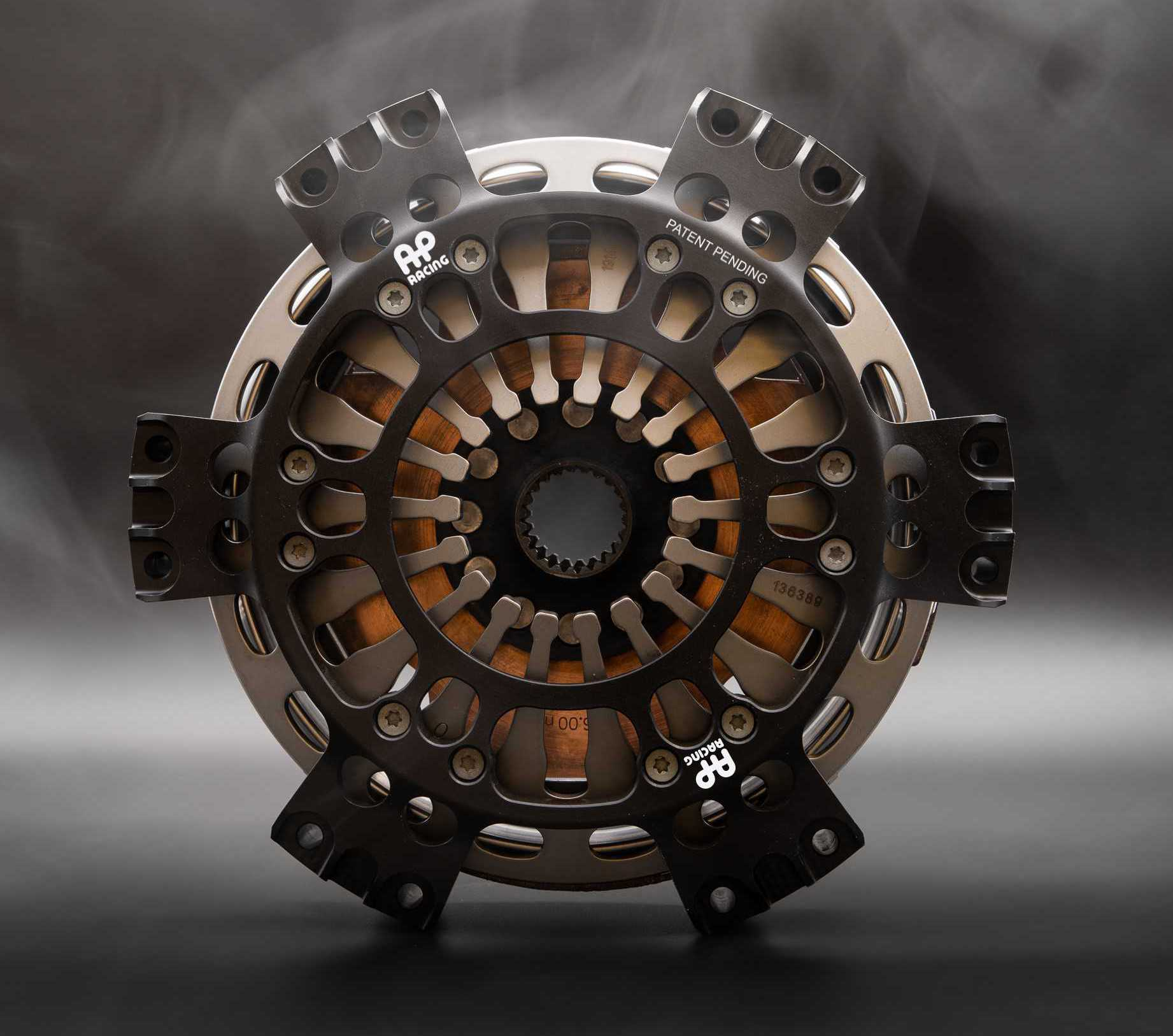 AP Racing twin-plate clutch PMW Expo